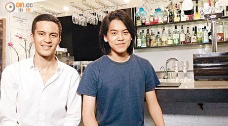 盧俊廷(右)與季麥天拍攝嘅茶餐廳文化短片脫穎而出。(湯佳樂攝)