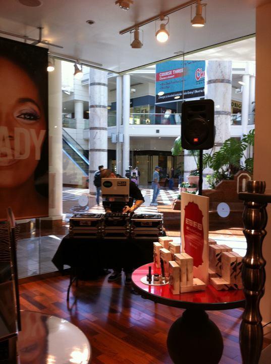 Jkixx Mall Pic 1.jpg