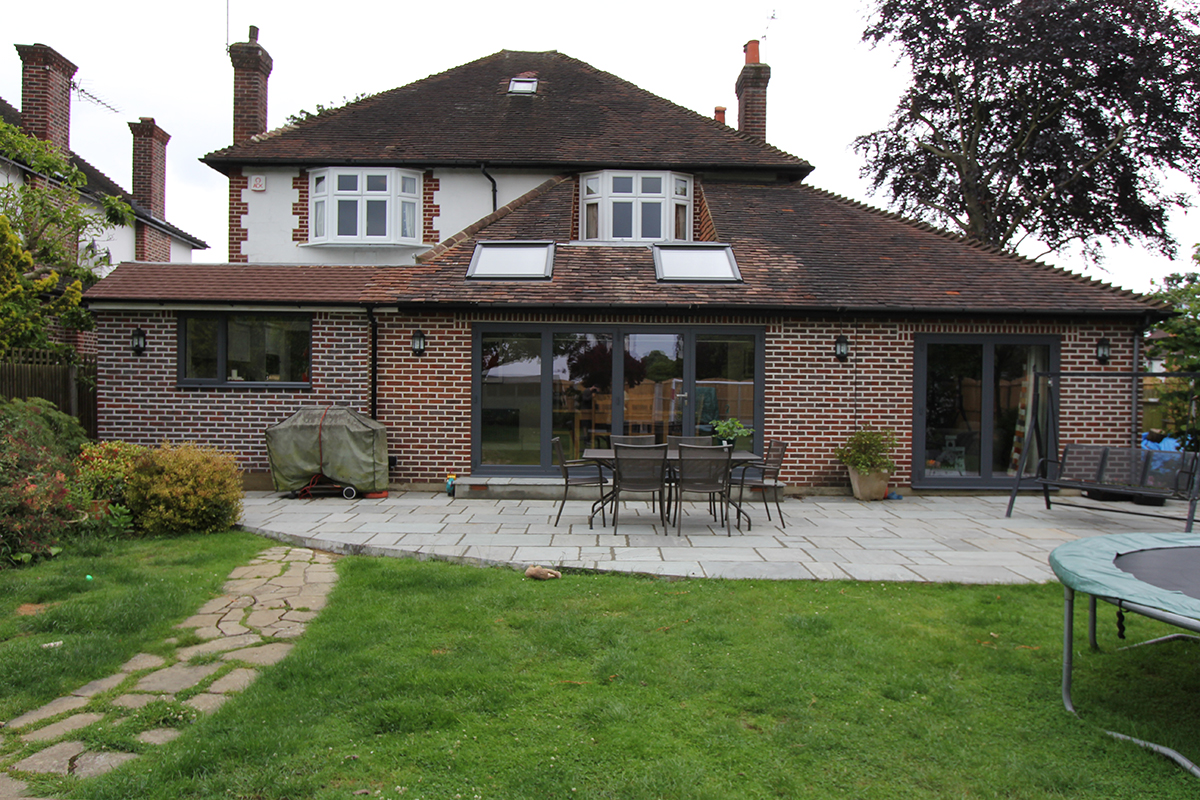ESHER  REAR EXTENSION