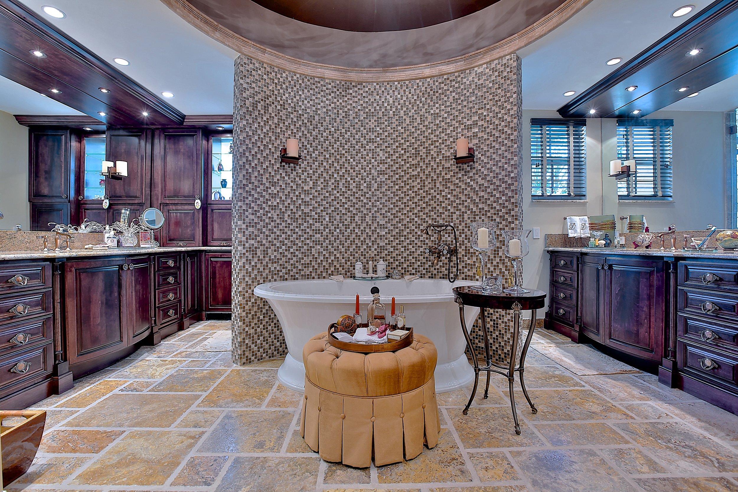 Custom Bathroom 3.JPG