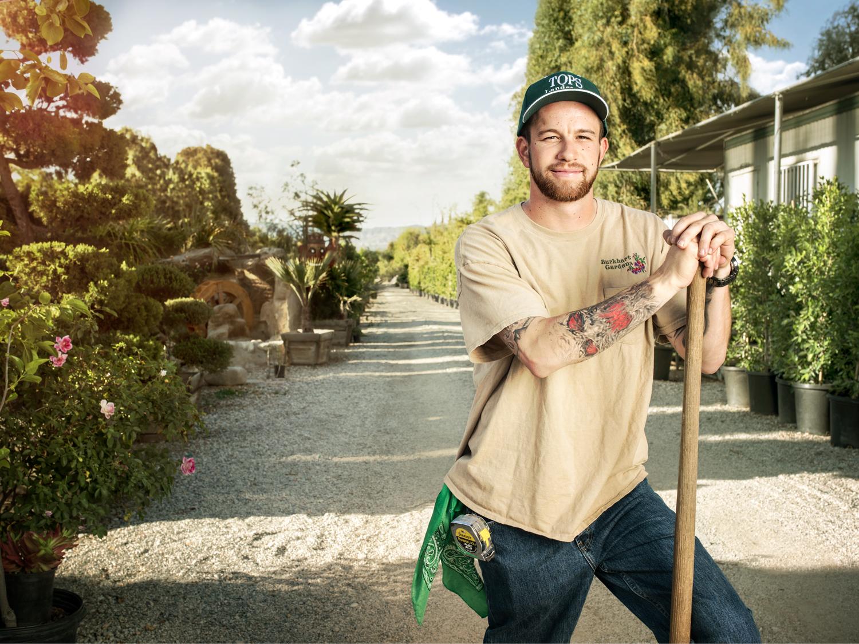 DavidBurkhartNurseryPhotoshoot_008_V2f-1500px-Cropped-SeanMoore-LosAngeles-Landscaper-Gardener-Portrait.jpg