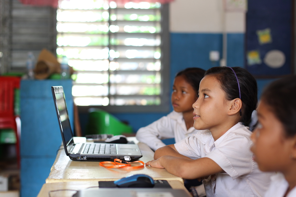 Students with Keepod at the Krasang Roleung Primary School in Siem Reap, Cambodia.