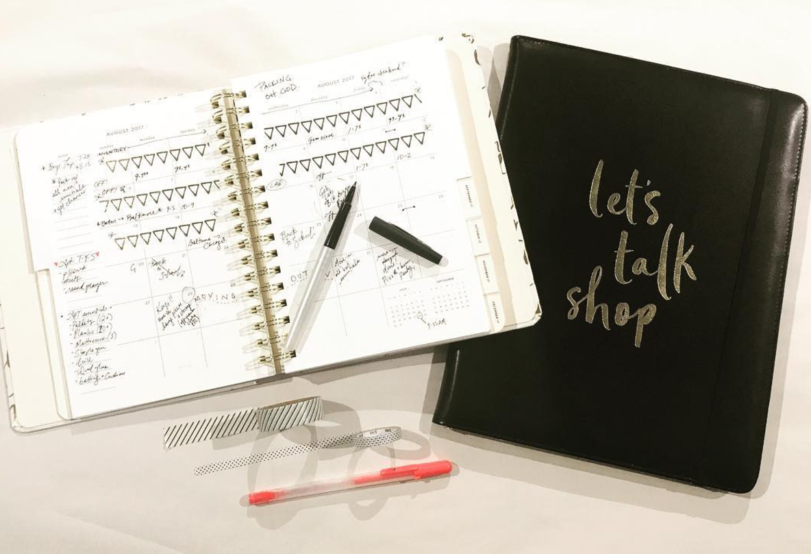 This IS the life, especially for  @spottedkettlestudio , our resident boss babe. Her  @katespadeny agenda and folio have her organized for the third quarter, and looking fabulous!