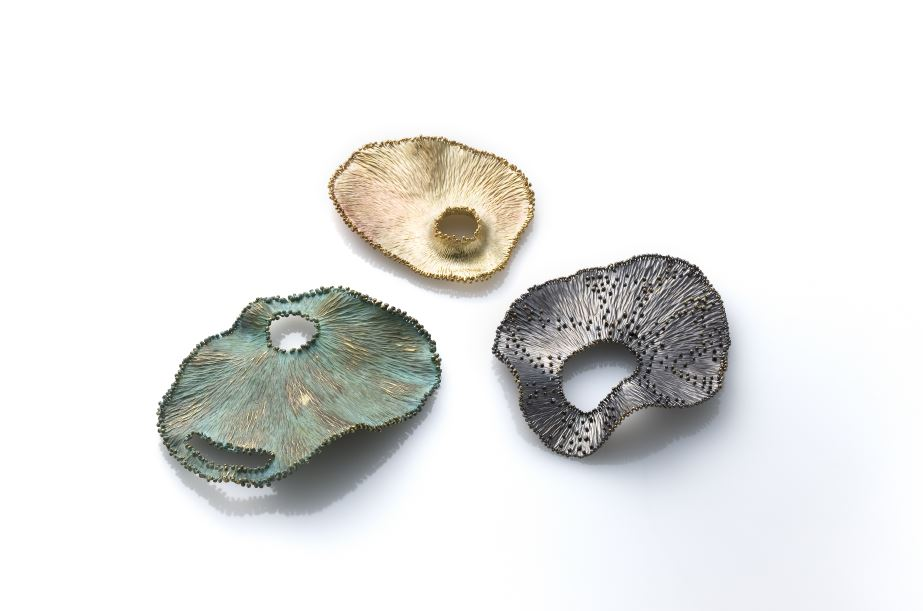 angelaminijo.com_Frosted Brooches