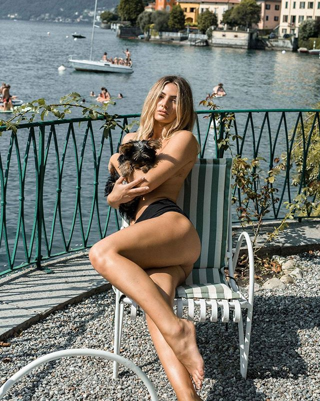 All those in favour for swapping out bikini tops for puppies this summer say I ✋🏼