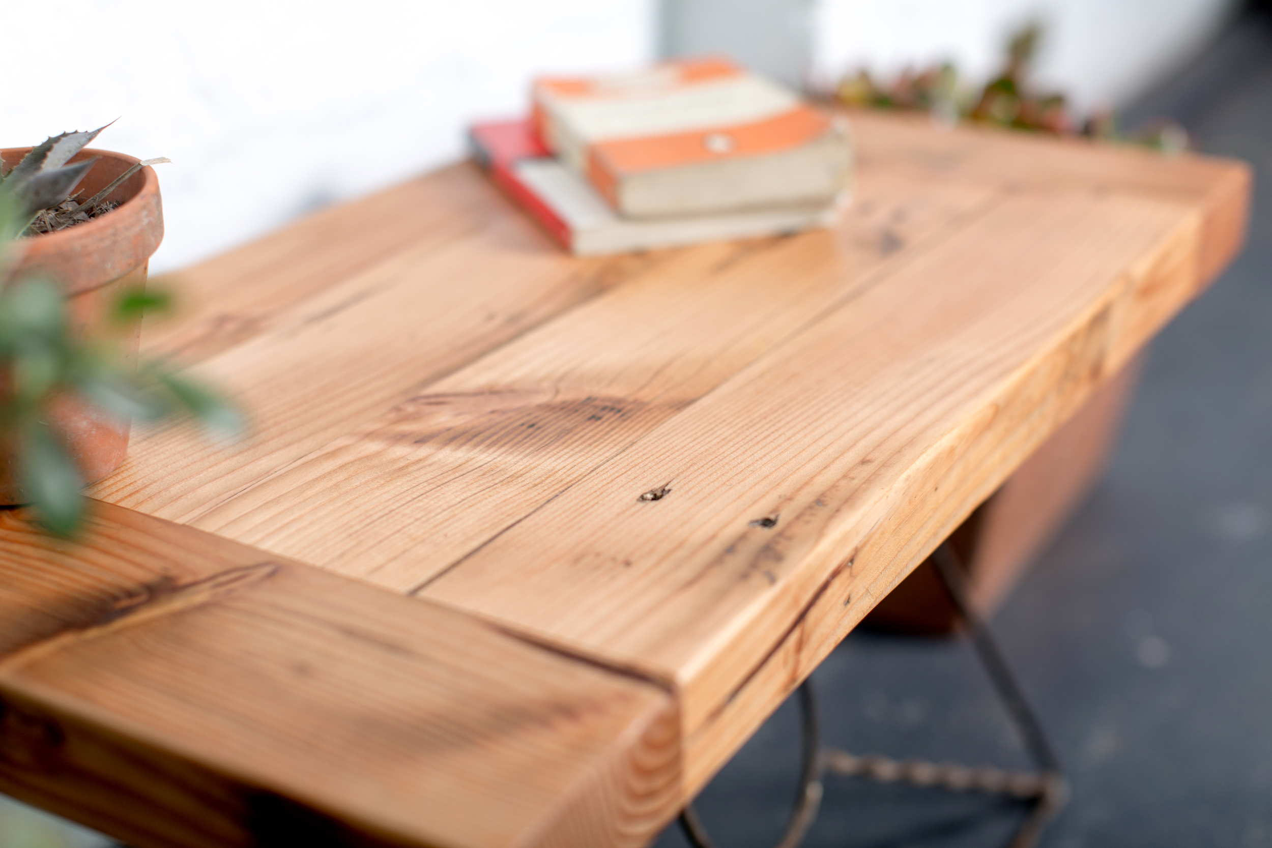 Oregon coffe table angle large.JPG