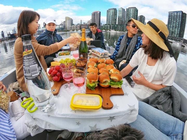 goboat-melbourne-picnic.jpg