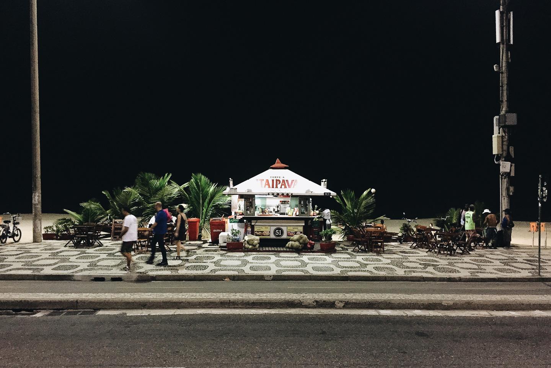 habitantes_playa_noche002.jpg