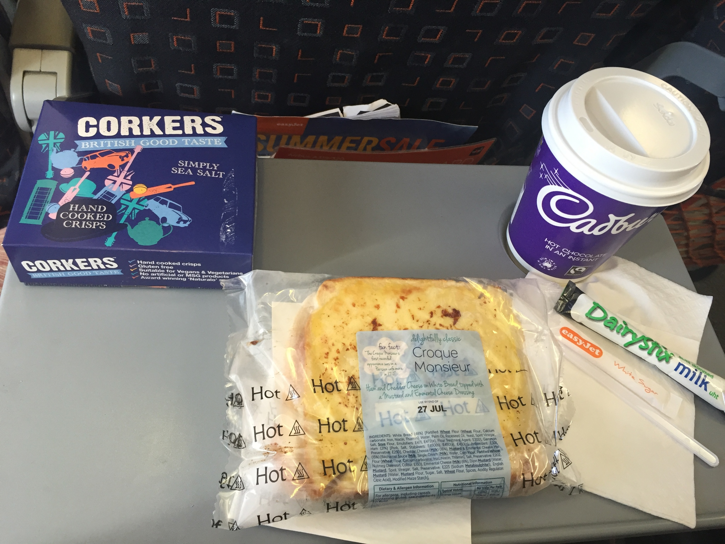 A ham & Cheese sandwich, hot chocolate and chips cost less than 10€ in an EasyJet Aircraft