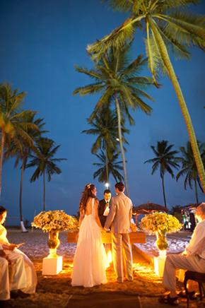 beach-weddings-at-night.jpg