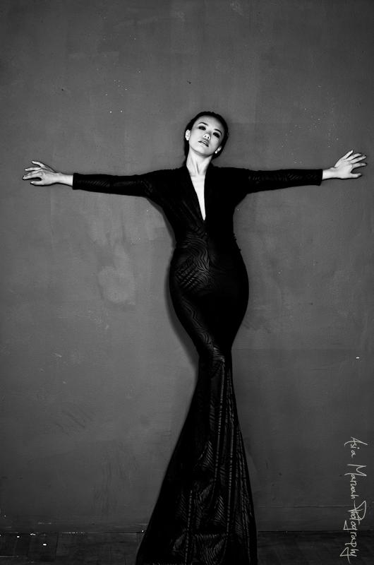 Victoria M Ng Asia Mariah Photography Carlton Spencer Styling Ramie Reed HMUA 3.jpg