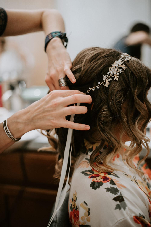 brides headband at Texas wedding