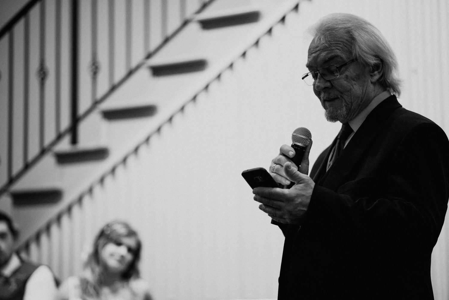 father of bride gives speech at wedding