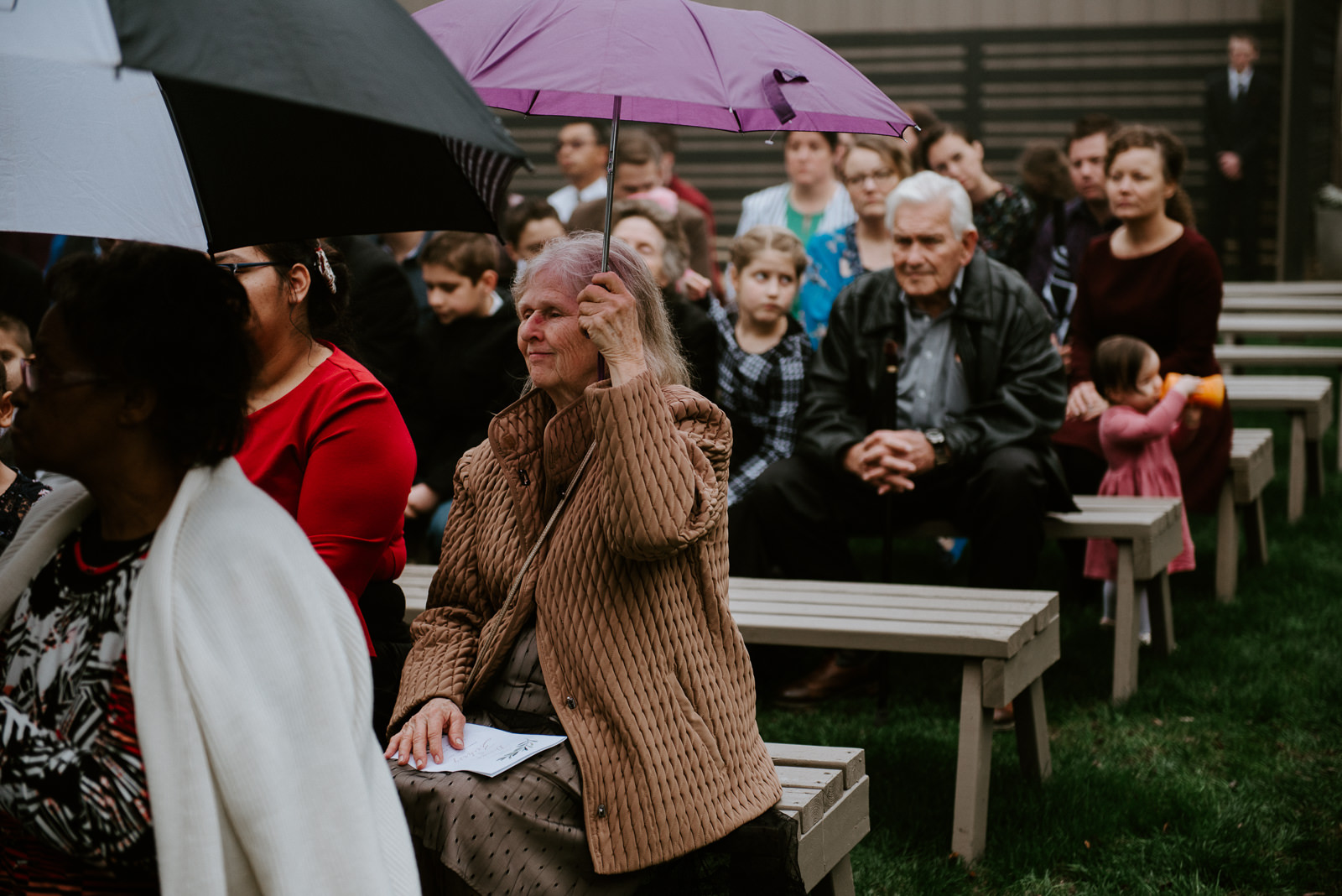 guest at rainy austin wedding