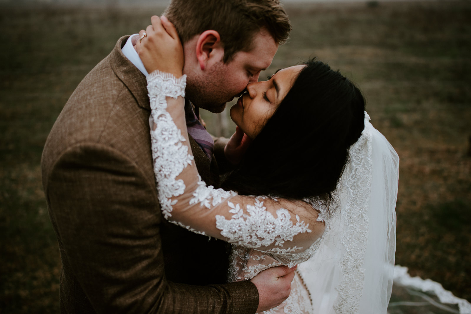 emotional wedding photos from donny tidmore