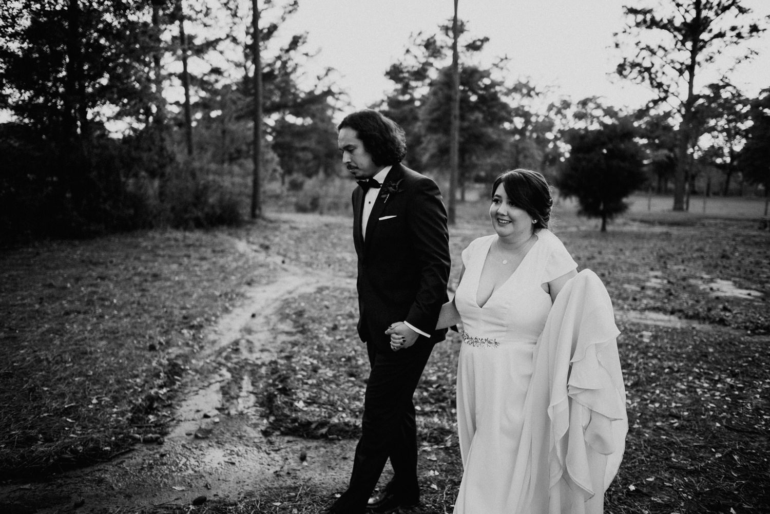 black and white wedding day portraits