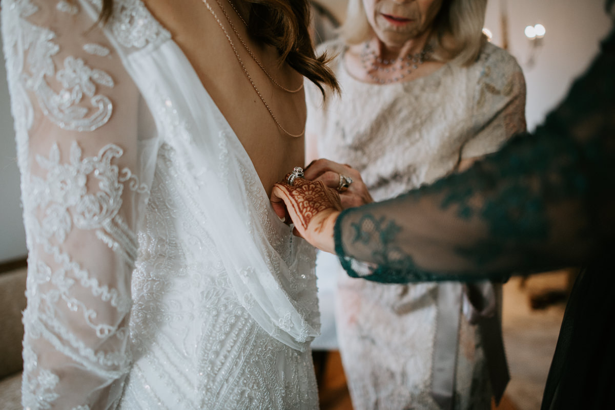 bridal preparations before texas wedding