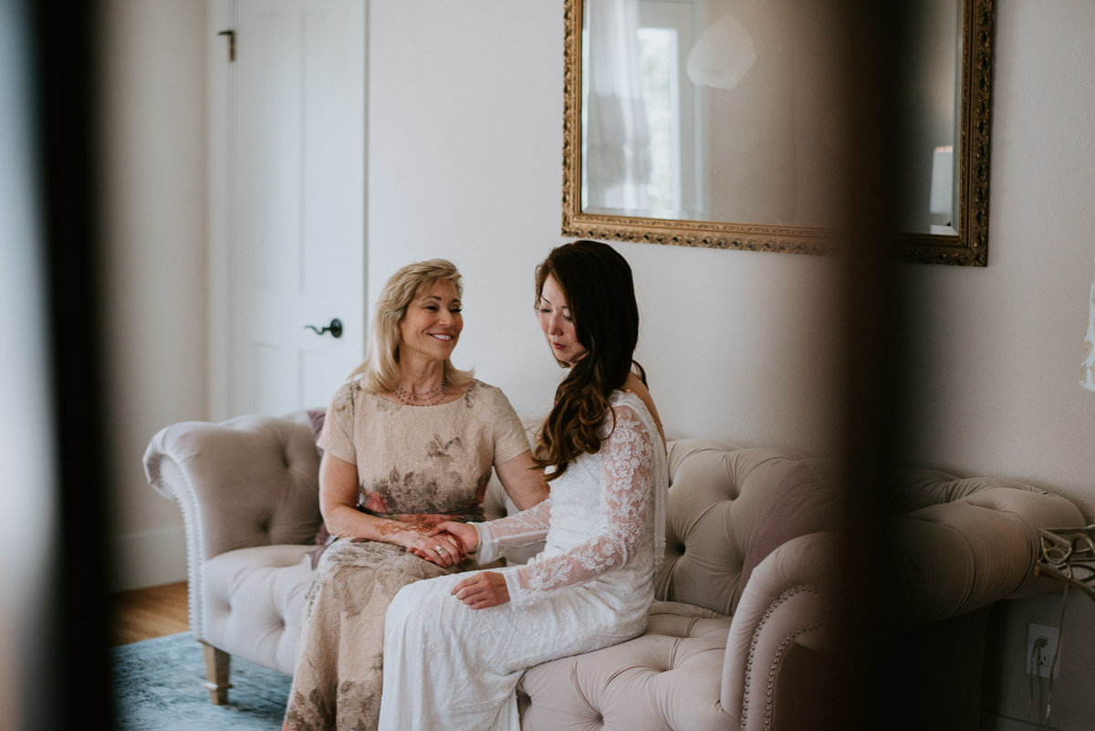 bride and her mom before wedding in austin texas