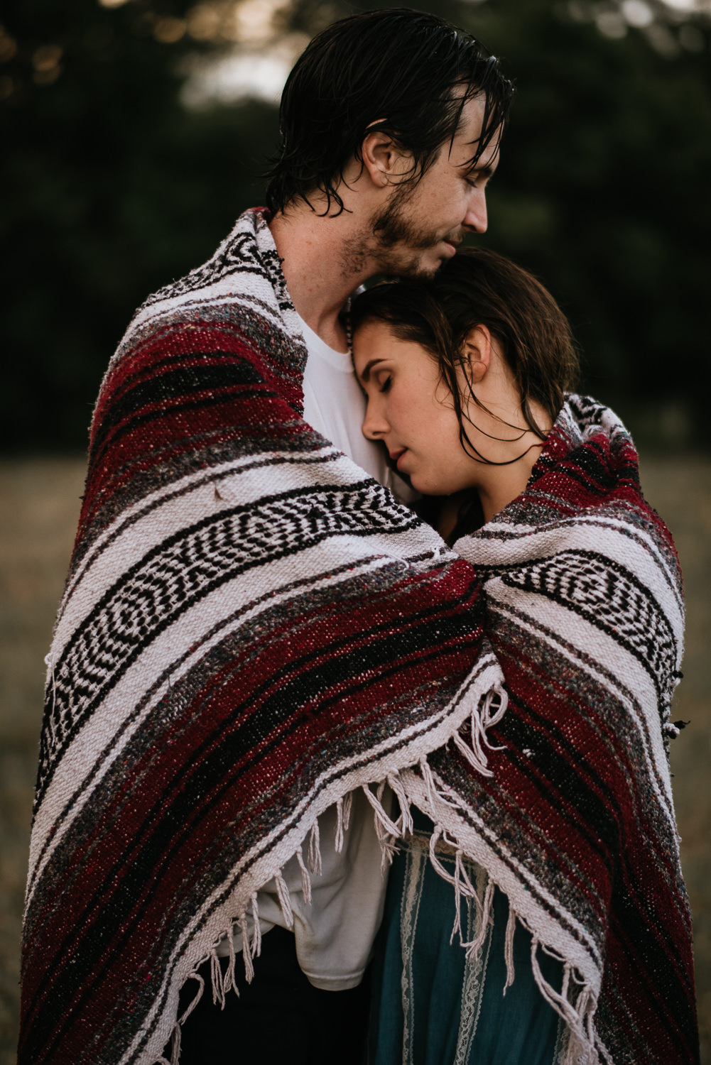 engagement photos with blanket