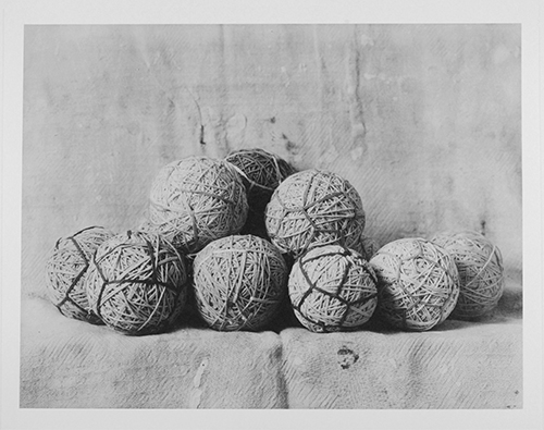 Kent Rush  Bolas de hilo , 2013 collotype< 10 x 13 inches