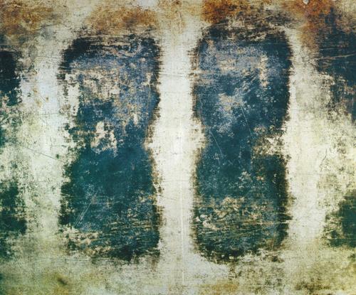 Orit Raff   Burnt Tray , 2001 chromogenic print Courtesy of the artist and Julie Saul Gallery, New York