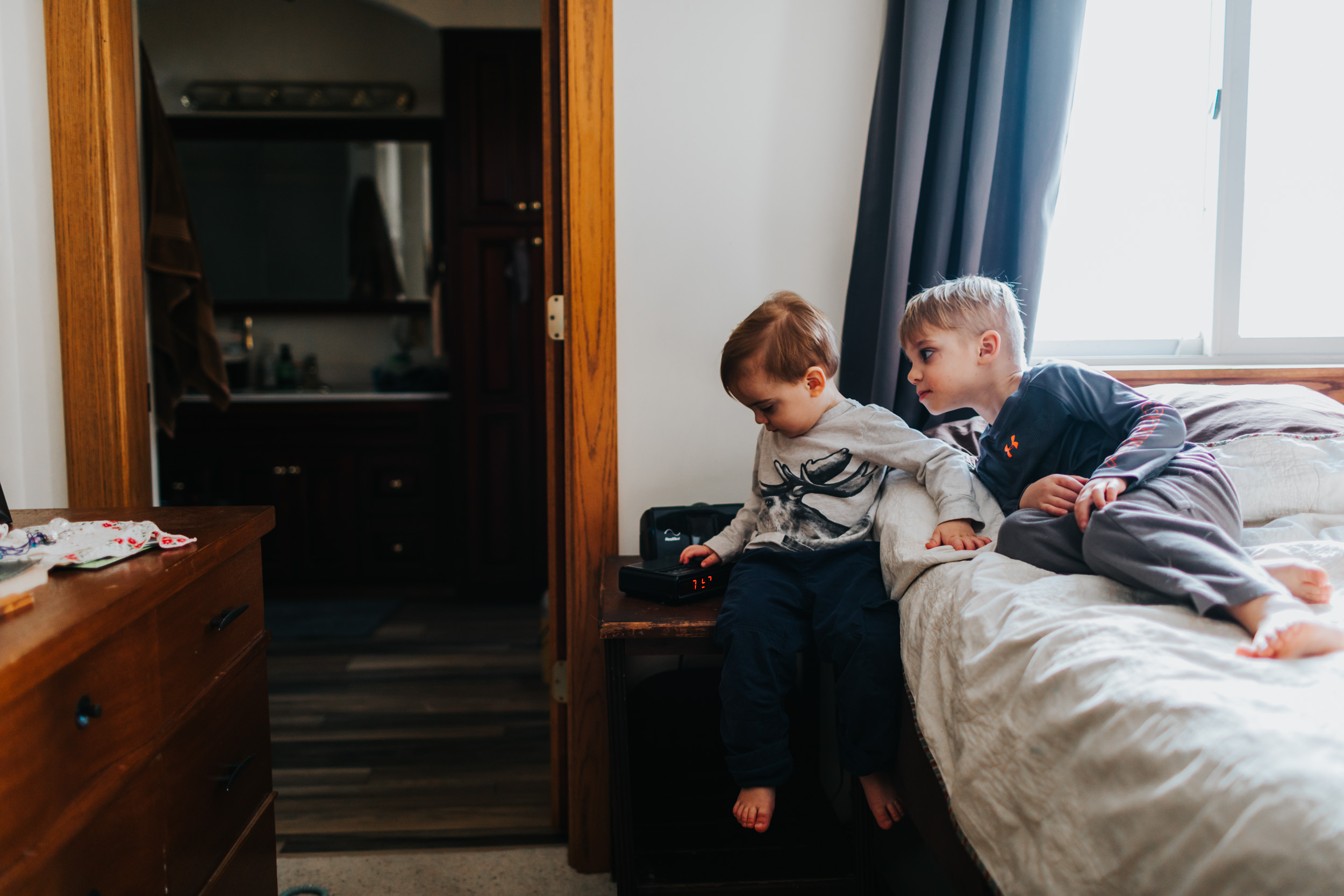 ERP_little_boys_playing_on_bed5B04A4868-2.jpg