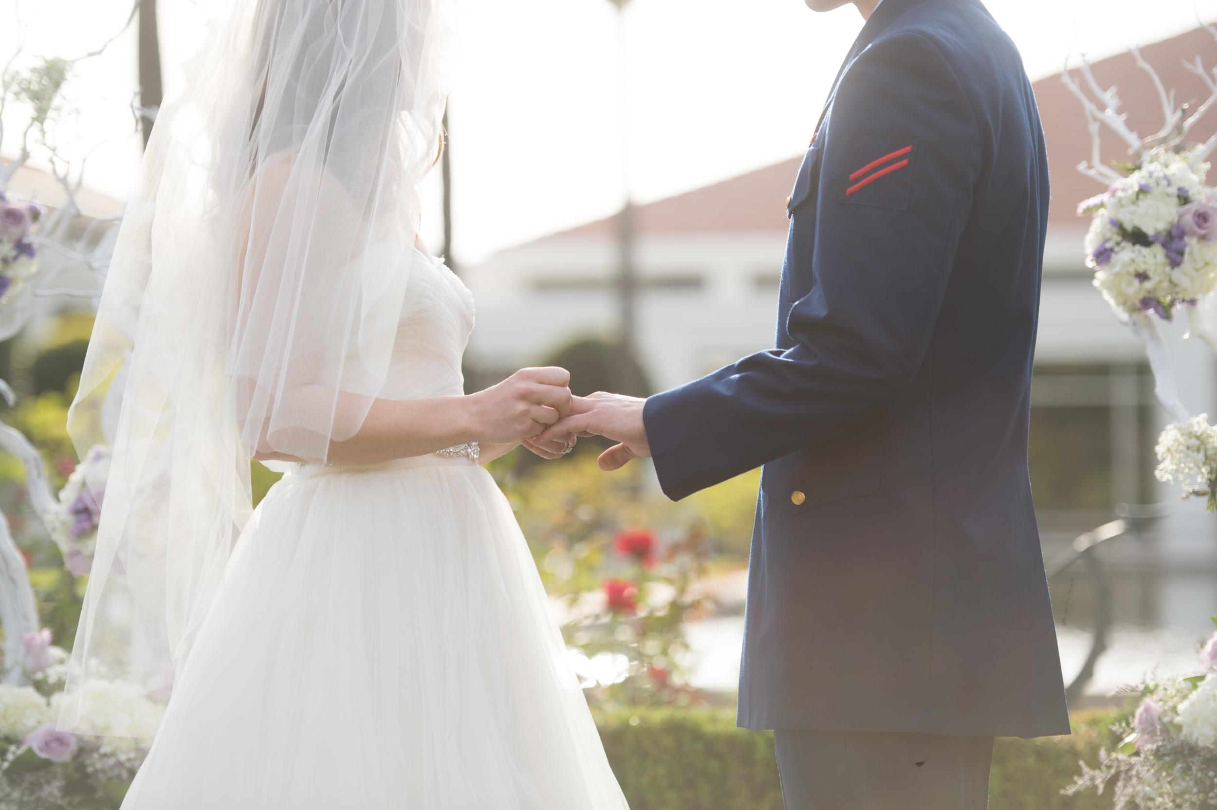 Richard Nixon Library Wedding. California | via taylorkristiina.com