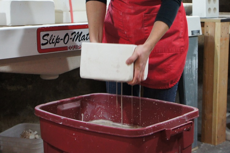 Emptying the molds