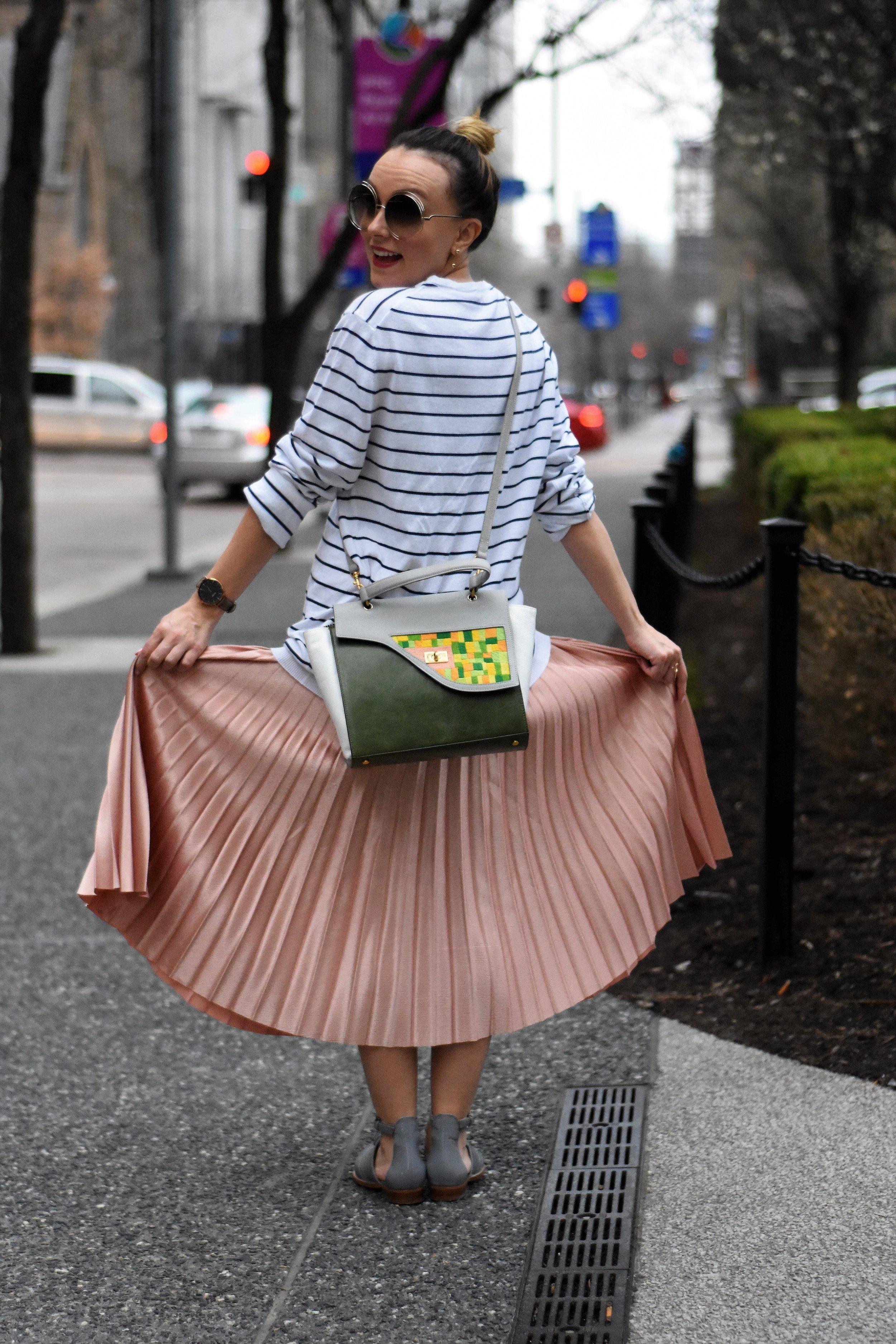 pleated midi skirt outfit ideas