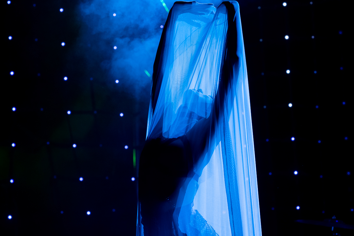 12_EssieFoxglove_SurrealistSalon_270119_adrian_thomson.jpg