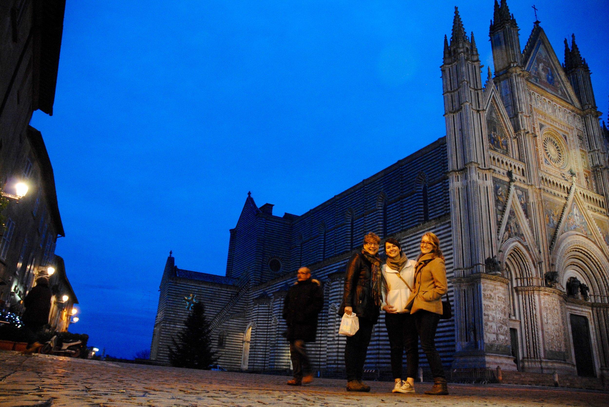 #1 Spragg Pza Duomo with ladies.jpg