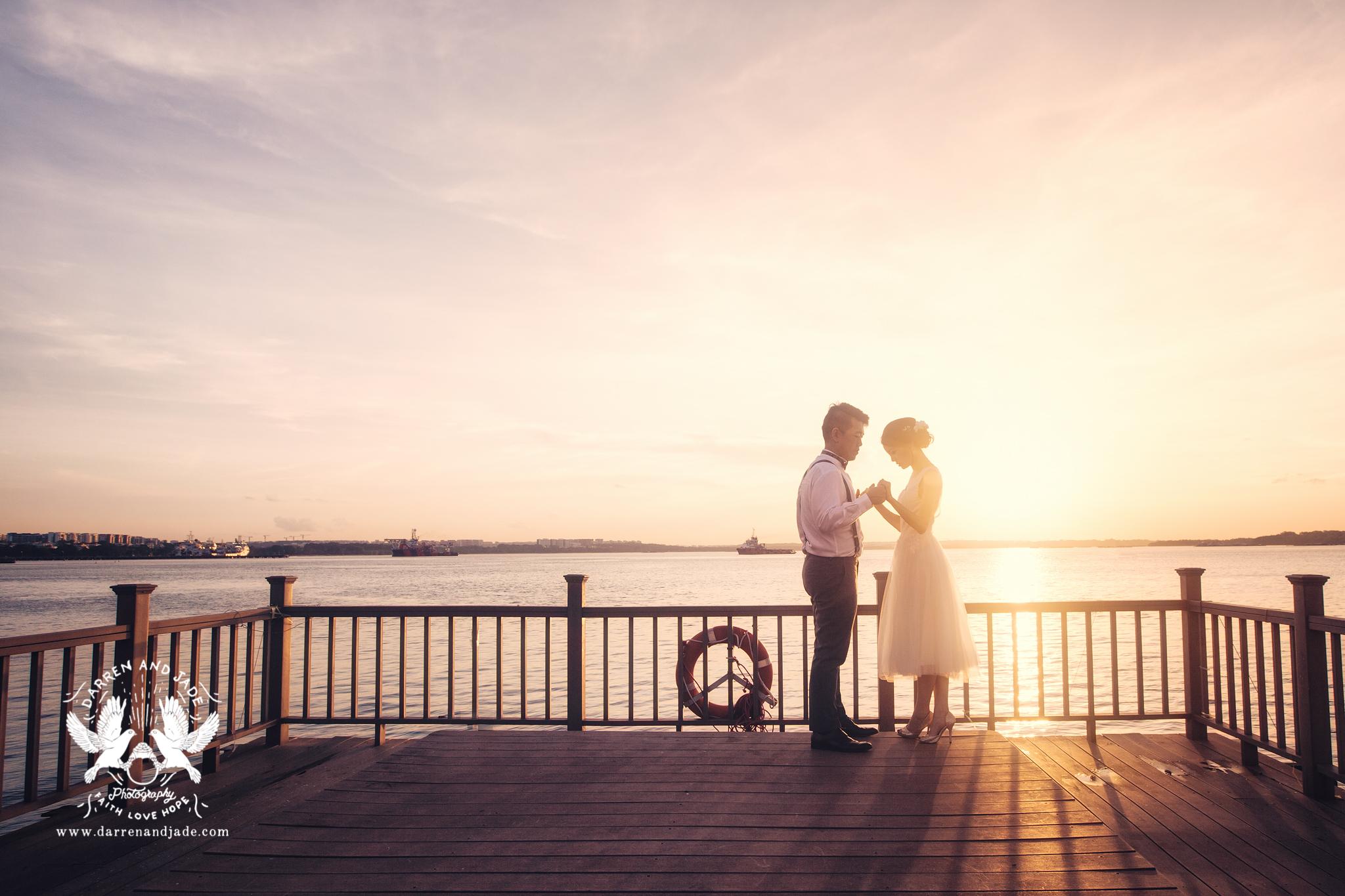 Hannah & Amos - Engagement - Selects - Sharing (42 of 56).jpg
