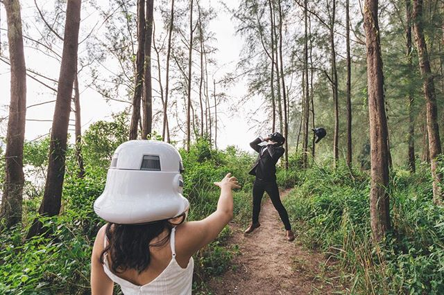 Every now and then marital disagreements were settled by blatant use of the Force (and a forceful dislodging of Darth Vader's helmet) 🤣 One of our favorite shots from our fun Star Wars prewedding shoot! . . . . #bridestory #weddingscoop #sgbrides #sgweddingphotographer #shesaidyes #ido #weddingphotography #sonythemeofthemonth #weddinginspiration #weddinggoals #theknot #buzzfeedweddings #weddingstylist #gettingmarried #bridalideas #bridalcouture #bridegoals #sonylove #yestothedress #dirtybootsandmessyhair #weddingscoop #destinationwedding #weddinginspiration #theweddinglegends #sonysingapore #destinationphotographer #destinationbride #junebugweddings #weddingphotographer #singaporeprewedding