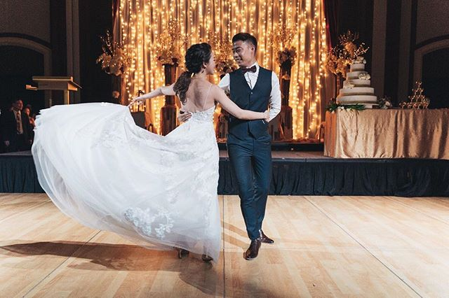 After 3 months of practicing their epic dance, @peeexe and @darliewhitesmile really put on a performance for everyone that we all enjoyed so much! The effort they put into making their wedding that much more special won't be forgotten anytime soon 😇 📸 @juanchan @redtealongan 📹 @intoxincant @bennytgh . . . . . #bridestory #weddingscoop #sgbrides #sgweddingphotographer #shesaidyes #ido #weddingphotography #weddingphotographer #weddinginspiration #weddinggoals #theknot #buzzfeedweddings #weddingstylist #gettingmarried  #bridalideas #bridalcouture #bridegoals #letswed #yestothedress #dirtybootsandmessyhair #weddingscoop #destinationwedding #weddinginspiration #theweddinglegends #intimatewedding #destinationphotographer #destinationbride #junebugweddings #wedfolks #sonysingapore
