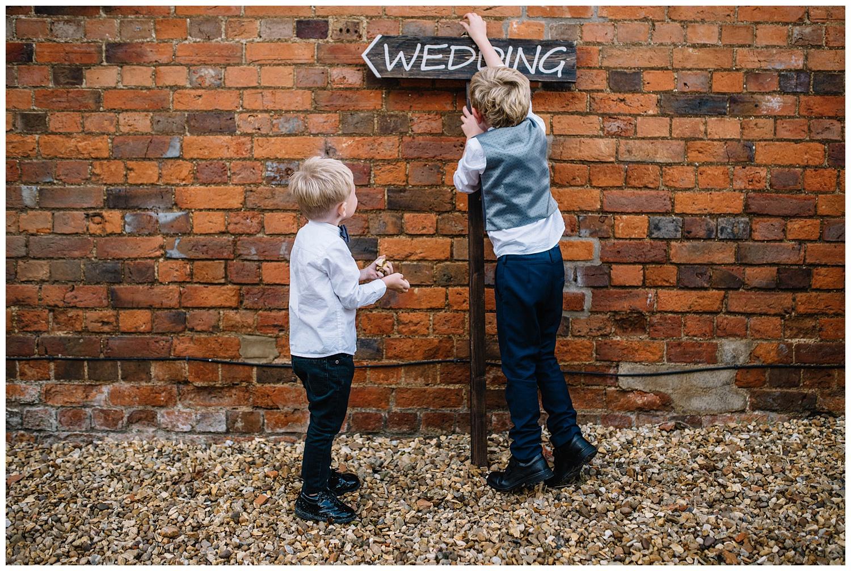 Buckinghamshire alternative wedding photographer_0059.jpg