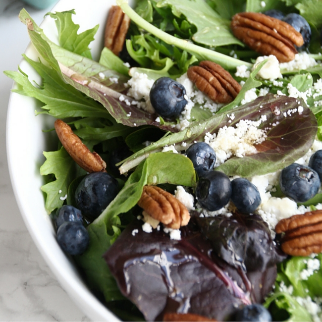 Wild Blueberry Salad // Easy salad, perfect for summer