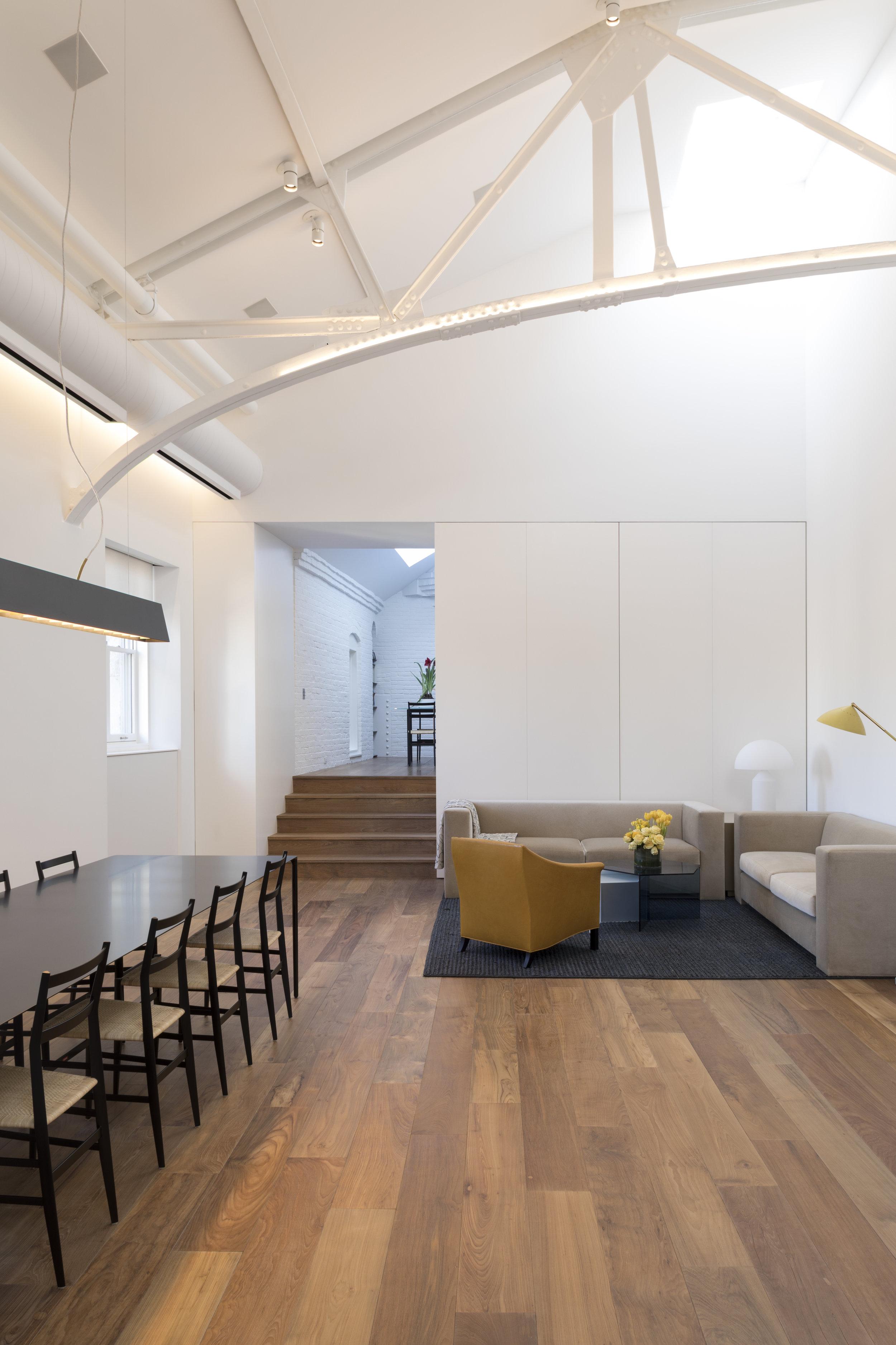 Police-Building-Apartment_Selldorf-Architects_Nicholas-Venezia_01.jpg