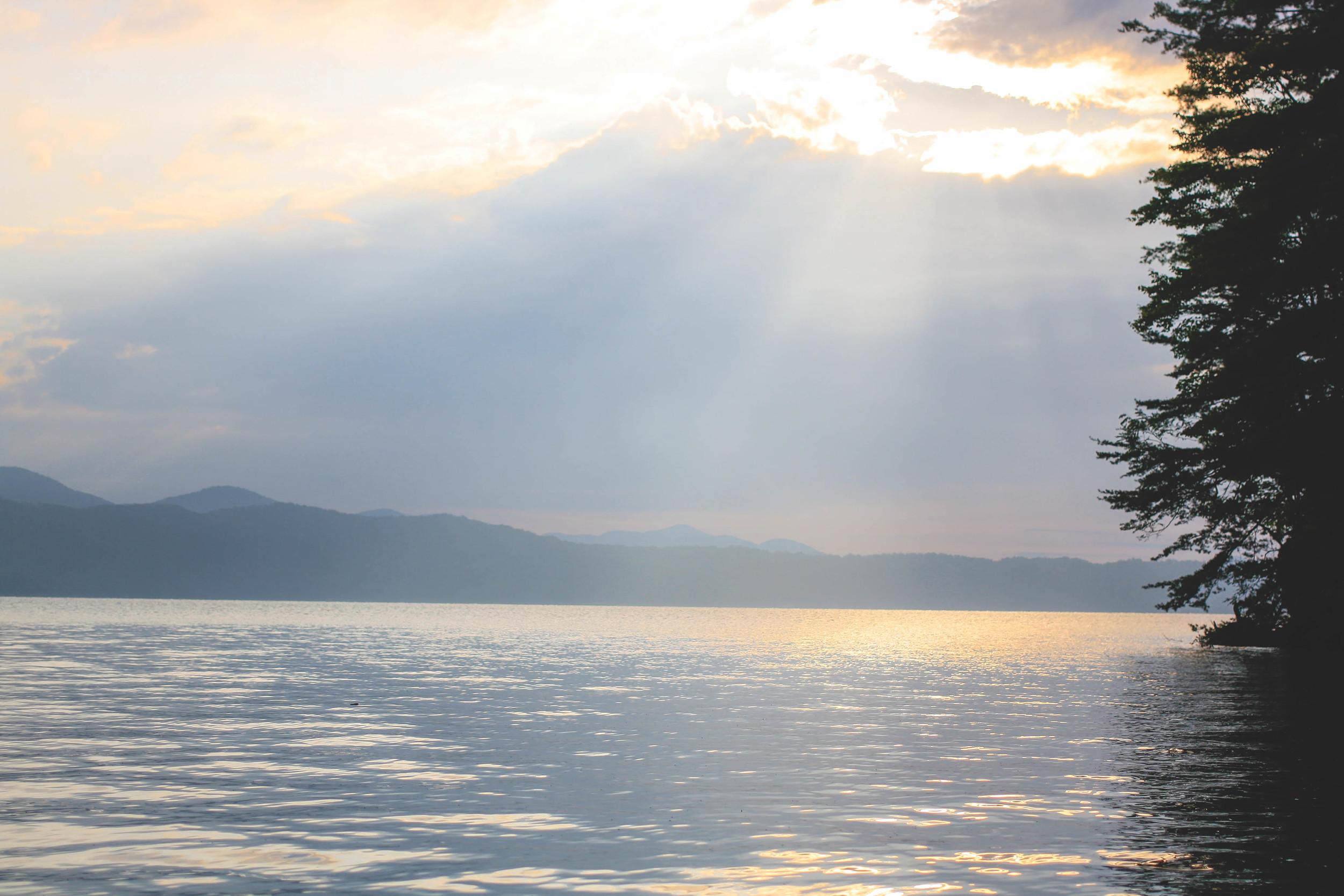 Lakesunrise.jpg