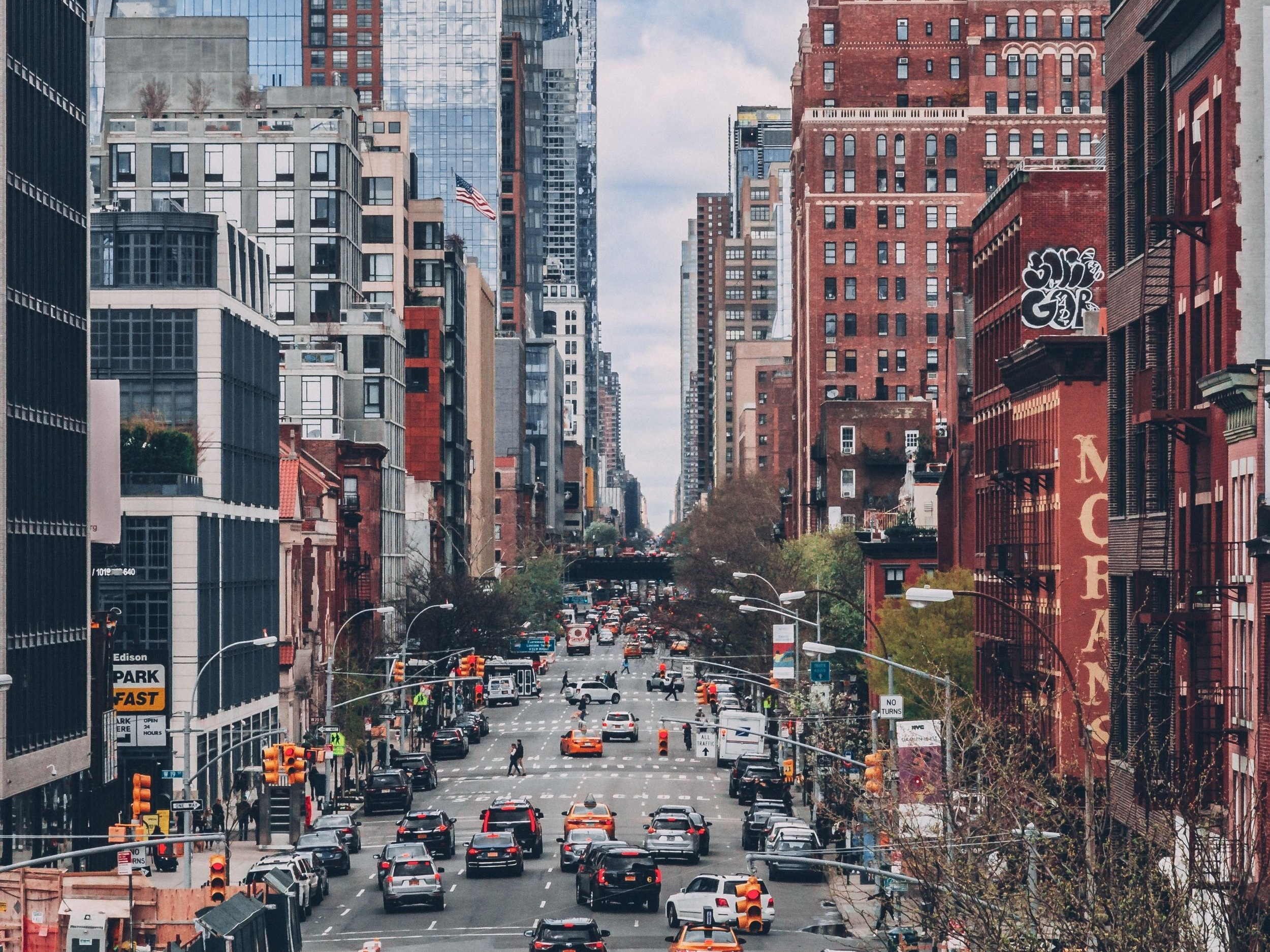 Manhattan February 2019 - Similar to last month, the condo and co-op markets performed very differently: condo sales again declined by double-digits while co-ops experienced another slight uptick in contracts signed.Read the full report →