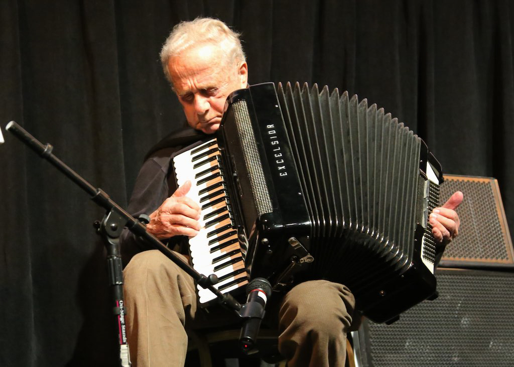 Frank Grunwald  giving a live performance at the 17th Annual Woodstock Film Festival.