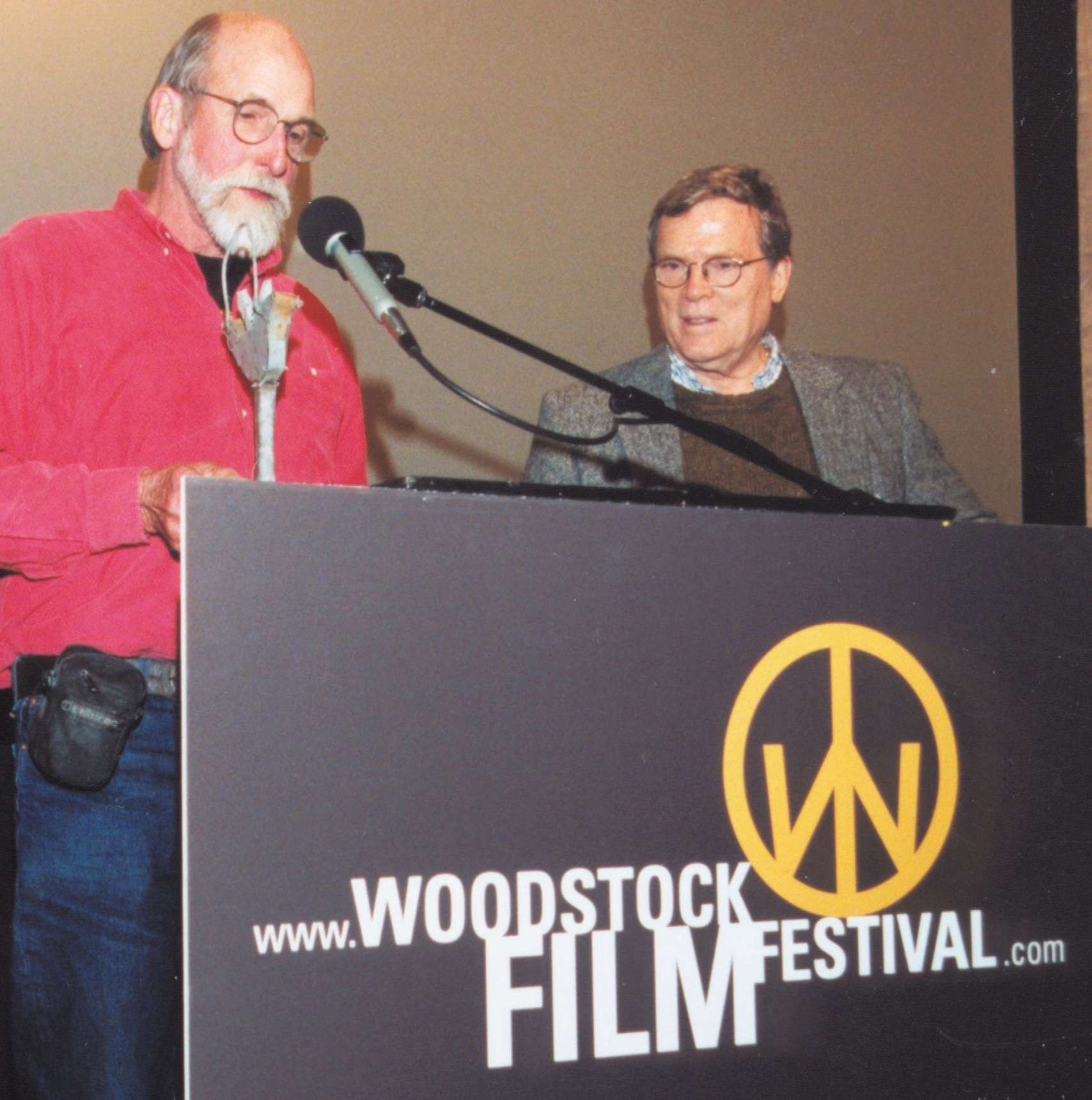 Les Blanks accepts the 2000 Maverick Award from D.A Pennebaker