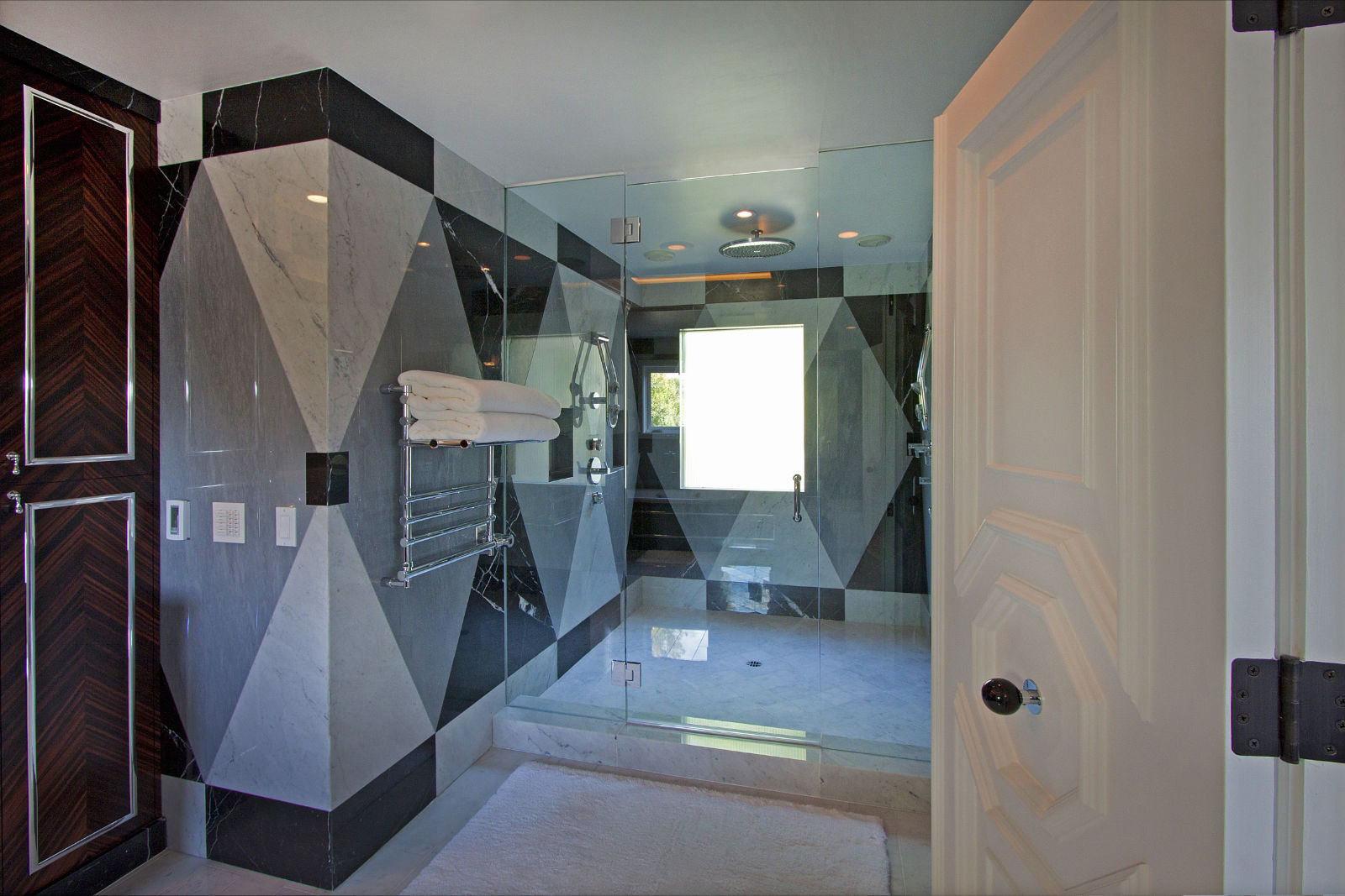 bathroom2a.jpg