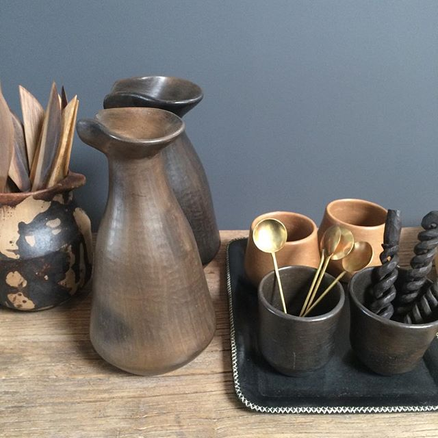 Simple with character #kitchen  #interiordesign #pottery #clay #sopretty #homedecor