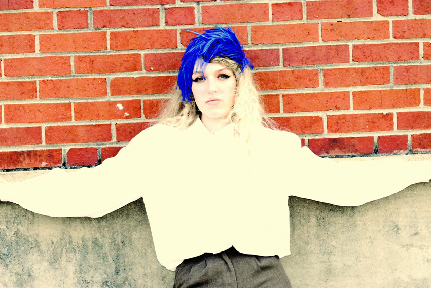 megan_blue+feathers_0013.jpg