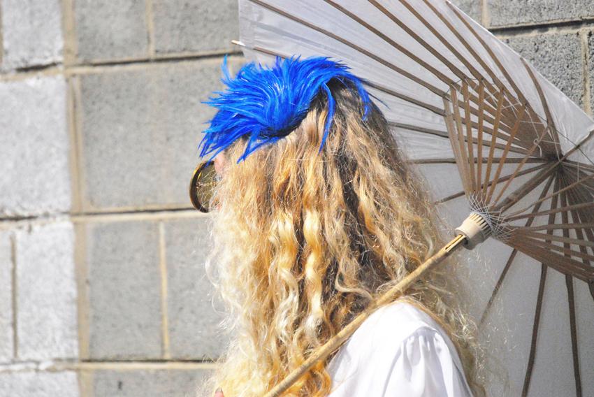 megan_blue+feathers_0010.jpg