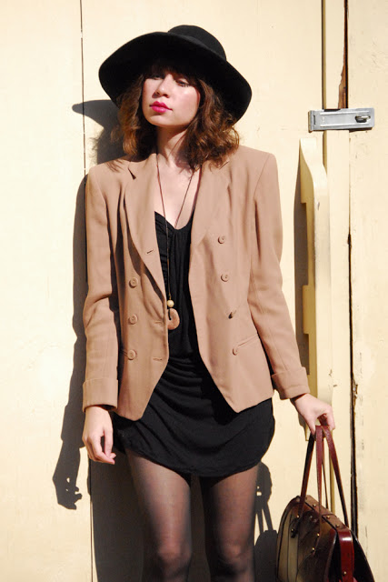 taupe+and+black_02.jpg
