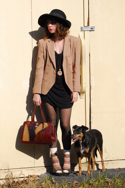 taupe+and+black_05_1000.jpg