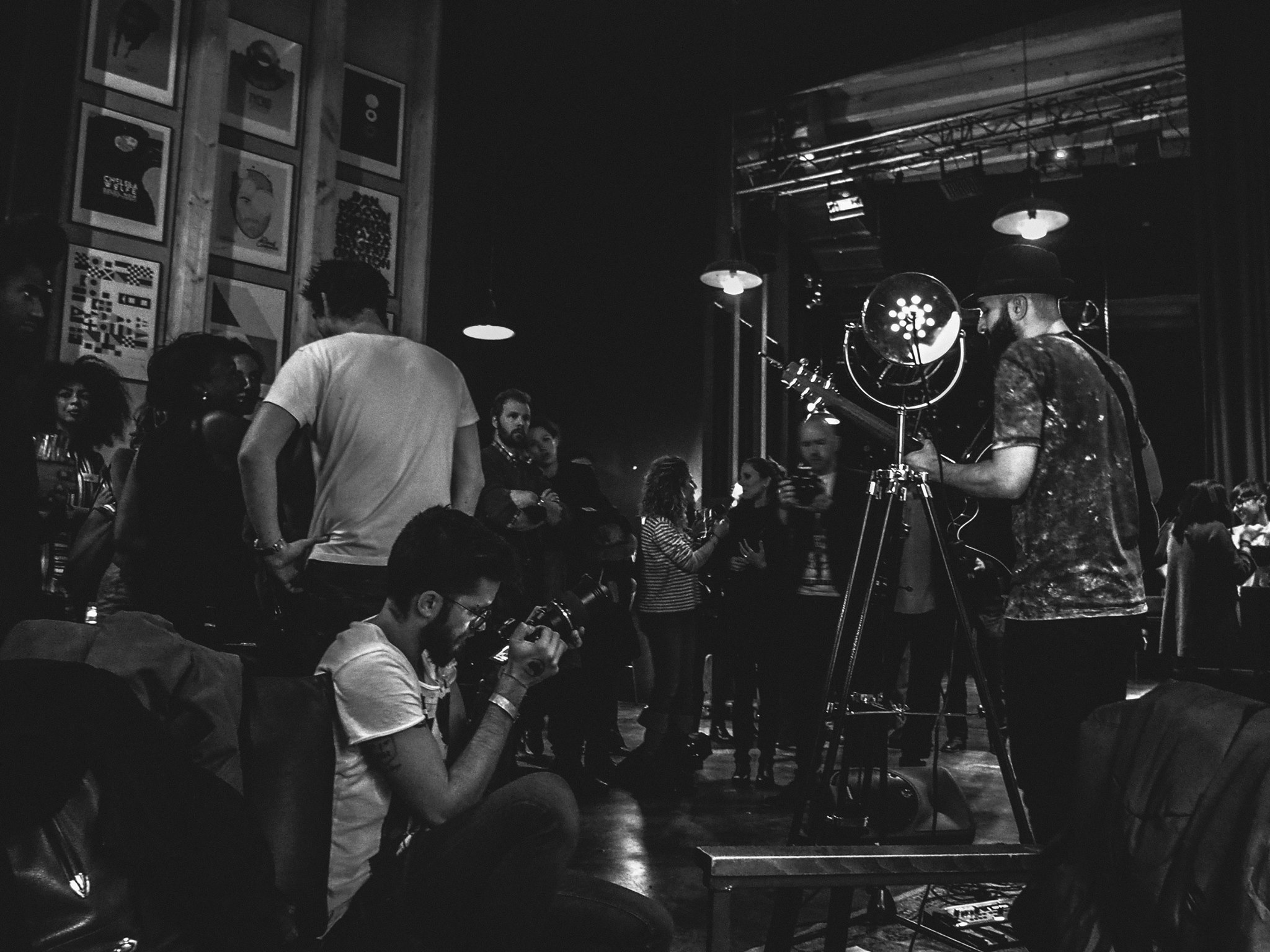 Singing  Andrea Fornari , photo by  Mellisa di Paolo