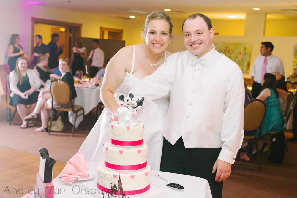 weddingcakecuttingortrait.jpg