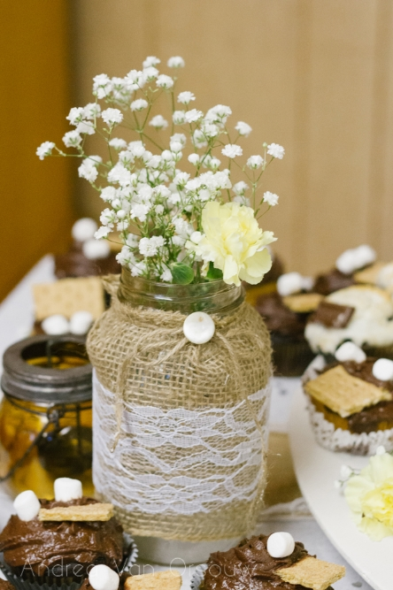 burlap_lace_wedding_decorations.jpg